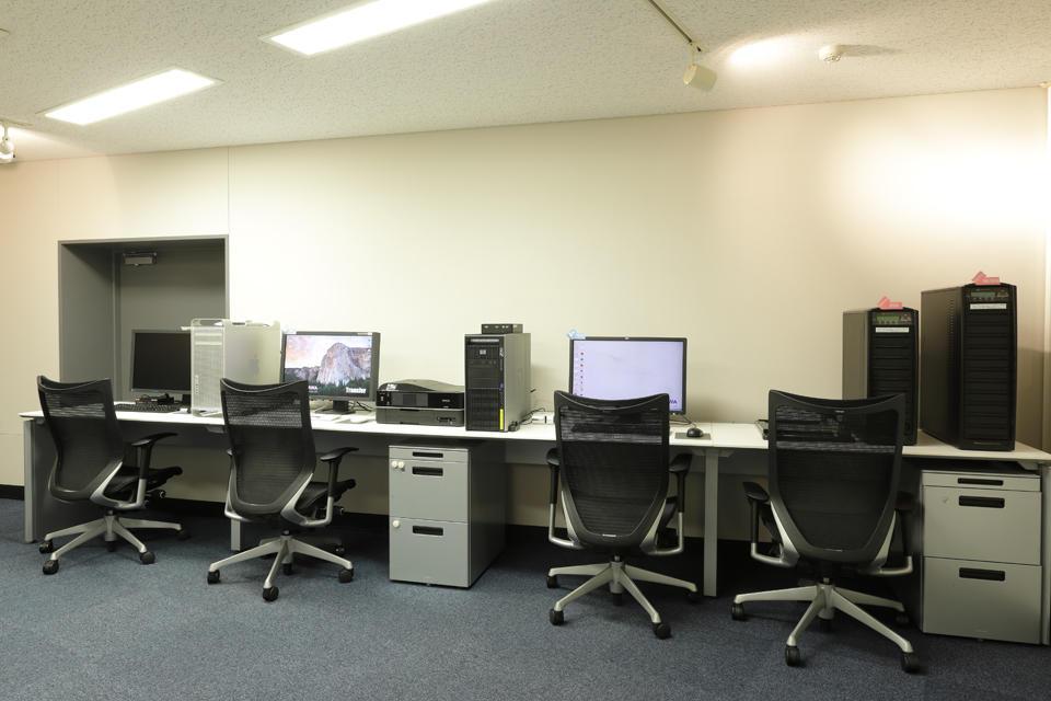 Transfer Room