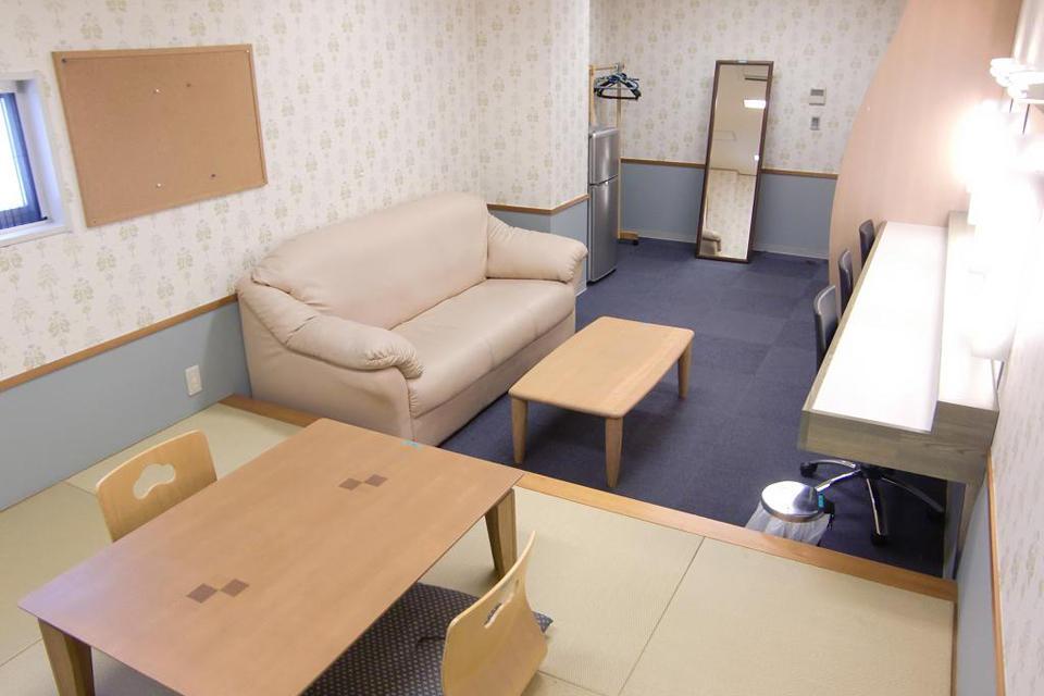 控え室10