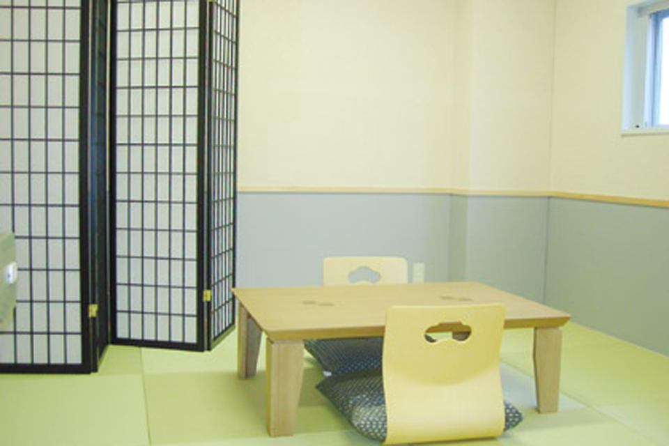 控え室13